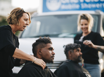 Be inspired: Perth's pop-up hairdresser providing free haircuts for people experiencing homelessness