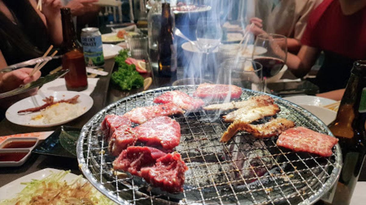 Wagyu beef cooking at Sumiya Gin restaurant