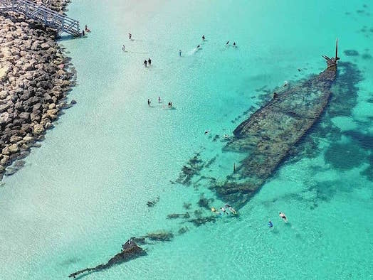 Best snorkelling and shipwreck sites around Perth